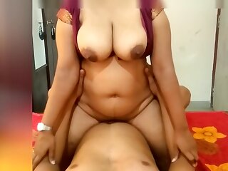 Indian Go over the hill payment Girl Riding in the sky Me with an increment of Make Me Cum In the sky Her Big Boobs