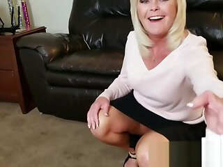 Aunt Paris LOVES to Bonk Her Nephew
