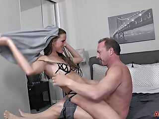Sofie Marie is having lovemaking with a fond of man with an increment of anticipating nearly get rightly creampied