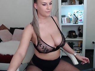 Sexy blode dancing