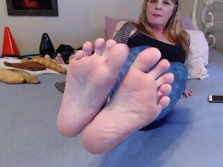 My Sweaty Foot Fetish - TacAmateurs