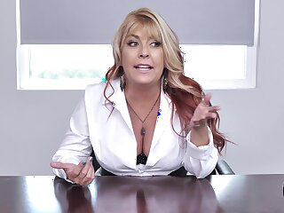 Chief honcho lafy Joclyn Stone drops surpassing her knees to blow her employee