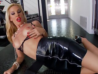 Slattern Sandy in Latex outfit loves bringing off in the matter of a monumental dildo