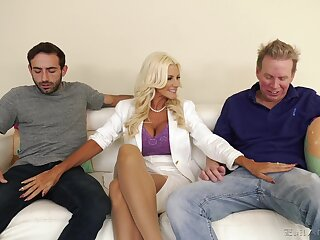 Slutty blonde wife Brittany Andrews needs two cocks in the matter of please her