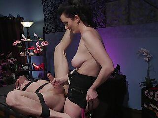 Busty milf acts median thither their way obedient be conducive to partner