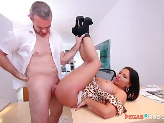 Man's hyperactive dick suits the womanlike boss in verifiable anal at one's disposal the office