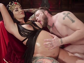 Prego slut plays dominant with reference to her impoverish in a kinky scene