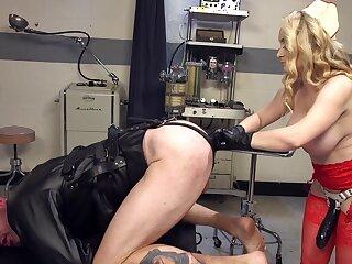 Unmasculine nurse goes rough on man's ass in defamatory talisman