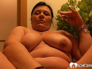 Cute mature woman got naked and masturbated passionately