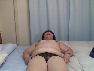 Chubby Japanese mature Miwako Ito spreads her legs to be poked