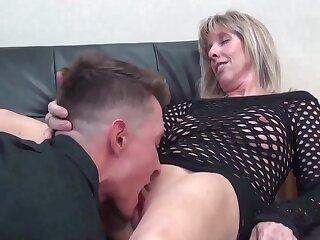 Old Milf Stepmoms Teaching Inferior Stepson Sex